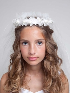 sweet-floral-first-communion-wreath-with-veil